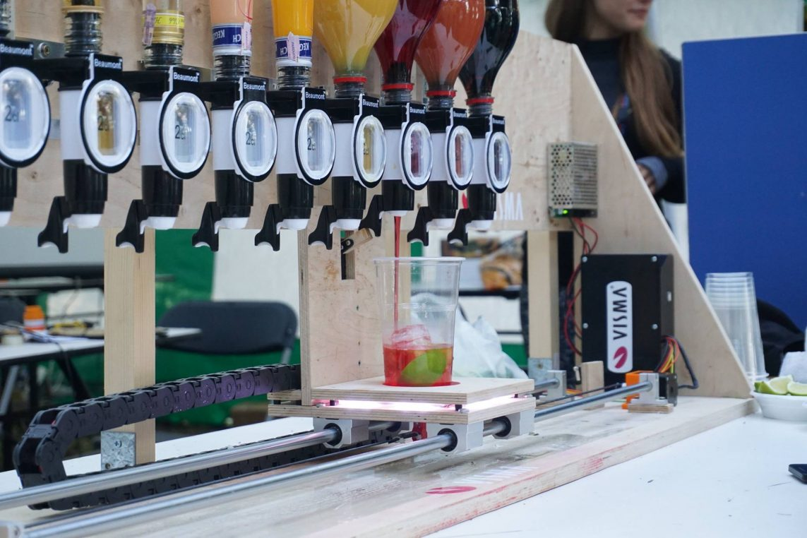 The robot bartender you won't have to tip