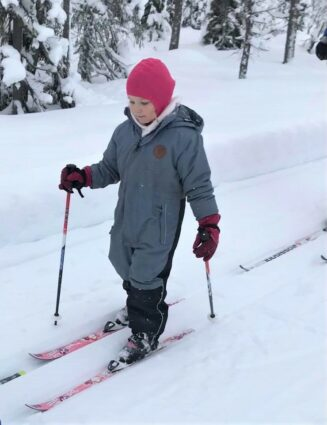 Amelia (5 years old) out skiing